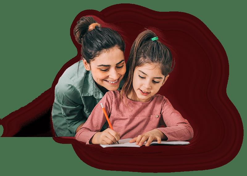 Imagem de mãe e filha estudando inglês juntas